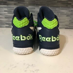 Reebok Shoes - Men's Rebook Pump Paydirt Mid Seahawks Colorway